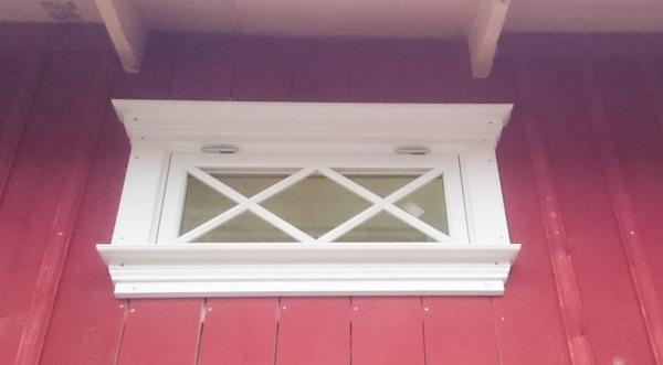 överhängtfönster